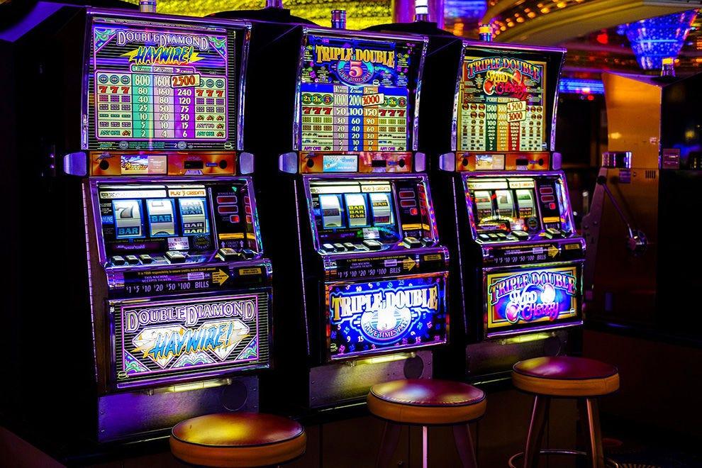 Официальный сайт казино 3 топора